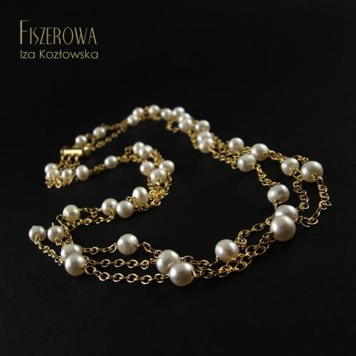 Złote nici w bieli